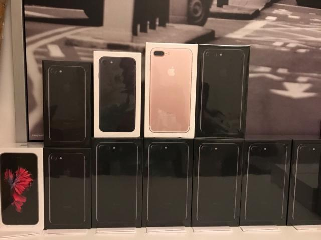 Apple iPhone 7 €350 Euro iPhone 7 Plus Samsung S8 €410 S8 Plus Note 8 S7 edge S7 €320euro