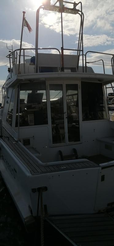 Bella barca buona tenuta di mare 2 motori