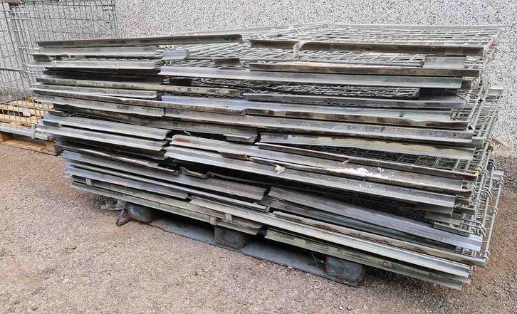 Ceste zincate paretali ripiegabili