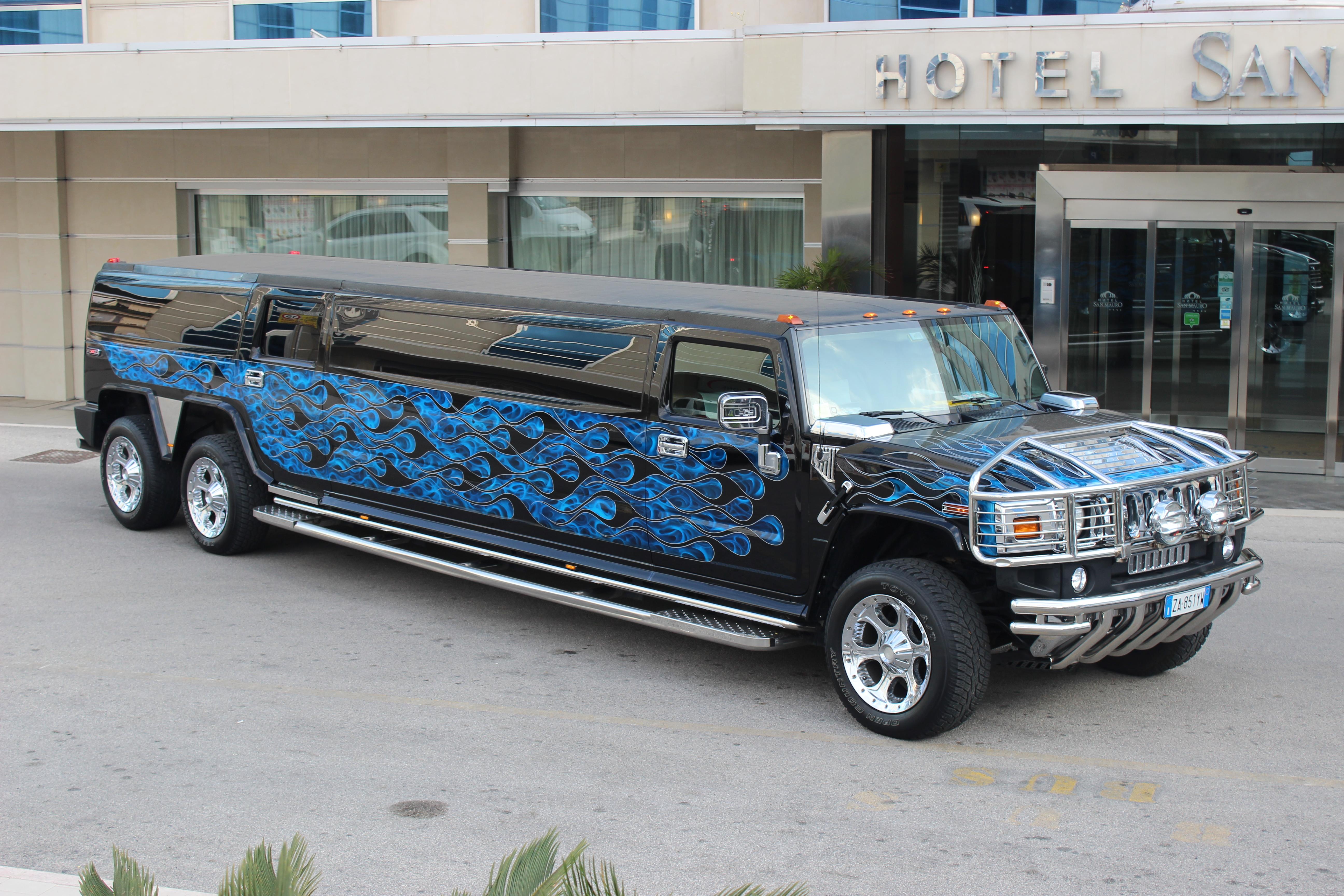 Noleggio Bmw X6 Limousine per Comunioni e Matrimoni
