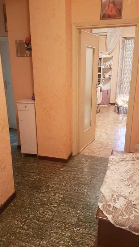 Signora affitta appartamento Casa 2